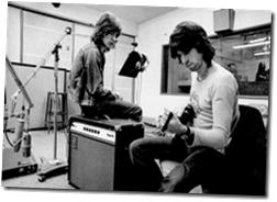 M.Jagger et K.Richard qui composent ensemble.